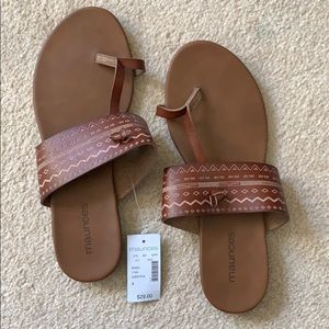 Maurices Sandals, Size 9